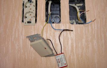 Подключение розетки от выключателя